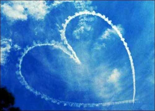 Corazon azul en el cielo