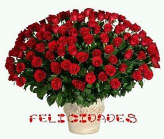 Feliz cumpleaños con ramo de rosas